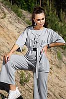 Костюм женский с штанами и футболкой свободного кроя серого цвета лето