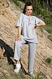 Костюм жіночий з брюками і футболкою вільного крою сірого кольору літо, фото 4