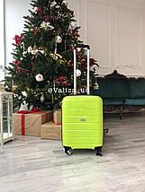 Качественный средний пластиковый чемодан из полипропилена черный с расширителем Франция, фото 2