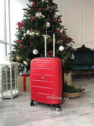 Большой пластиковый чемодан из полипропилена красный Франция, фото 2