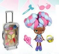 Кукла с косметикой и аксессуарами