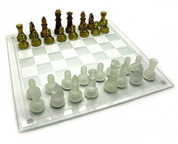 Шахматы стеклянные янтарные
