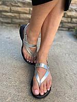 Босоножки летние женские через палец , серебро на плоской подошве.