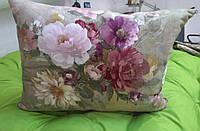 Подушка на диван с узором цветы