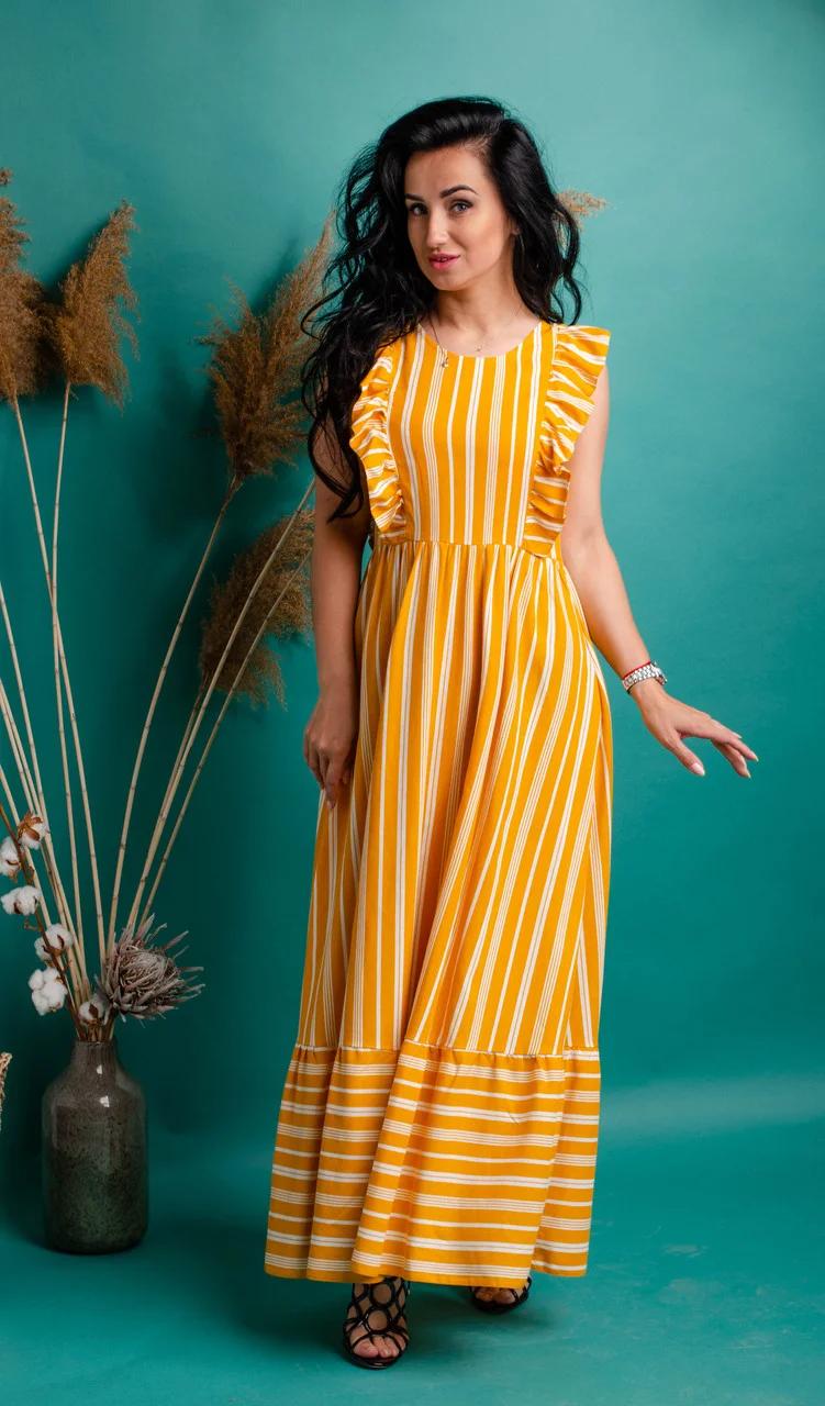 Длинное летнее платье из льна в оранжево-белую полоску