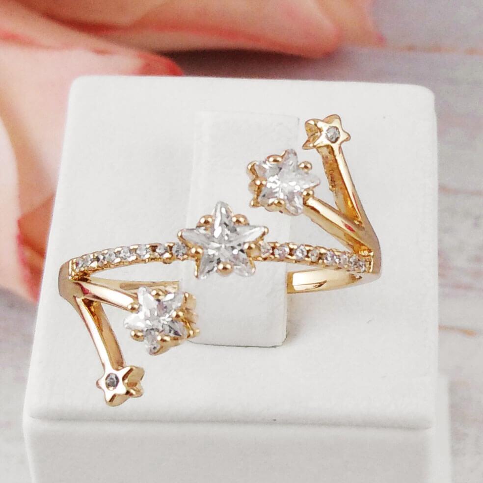 Кольцо Xuping Jewelry размер 19 Астра медицинское золото позолота 18К А/В 5723