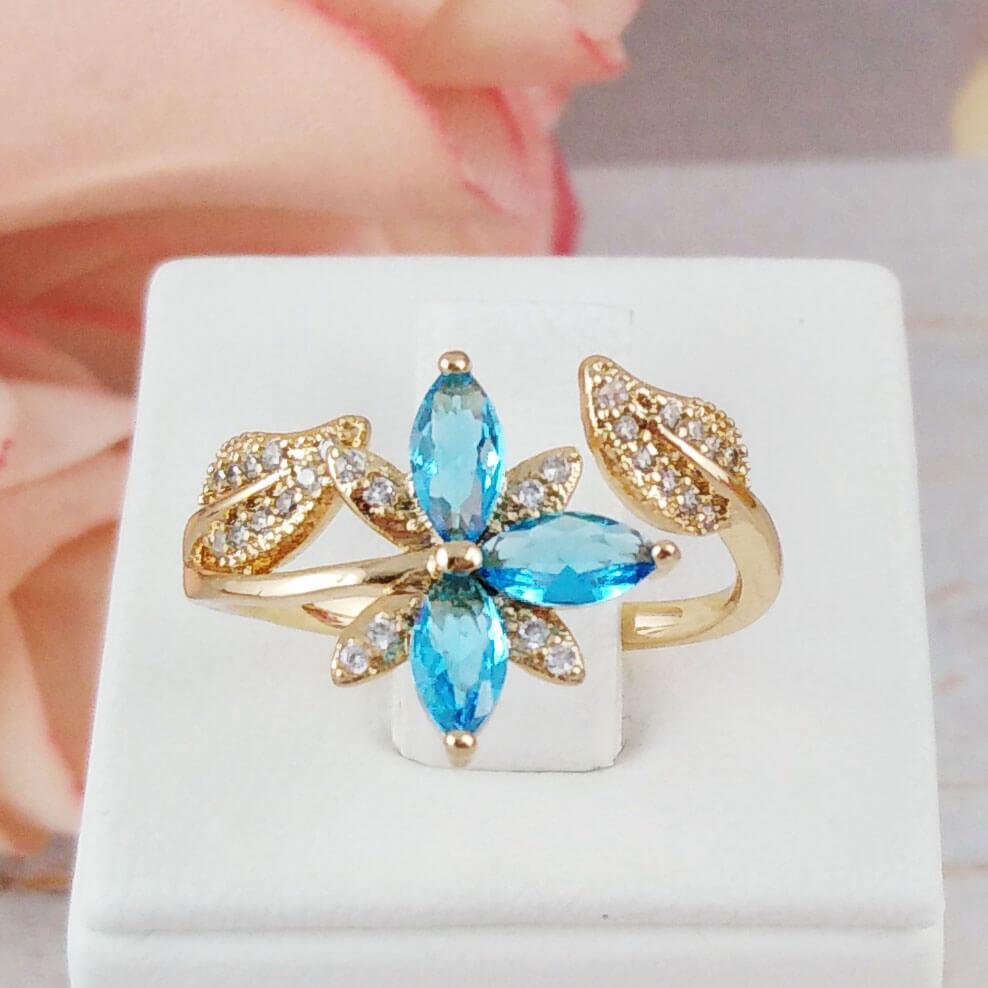Кольцо Xuping Jewelry размер 18-19 Цветок аквамарин медицинское золото позолота 18К А/В 5734