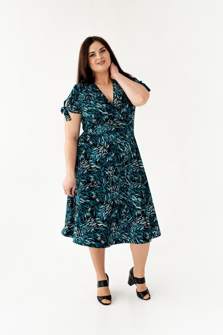 Красивое повседневное и нарядное летнее платье черное с бирюзовыми листями размеры 50,52,54,56