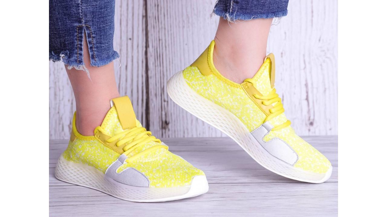 Женские кроссовки желтые с трикотажным верхом в стиле Adidas 36-40