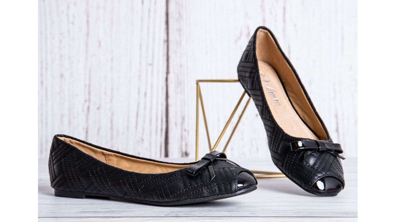 Жіночі балетки чорні легкі лаковий носок бантик класика дрескод 36-40