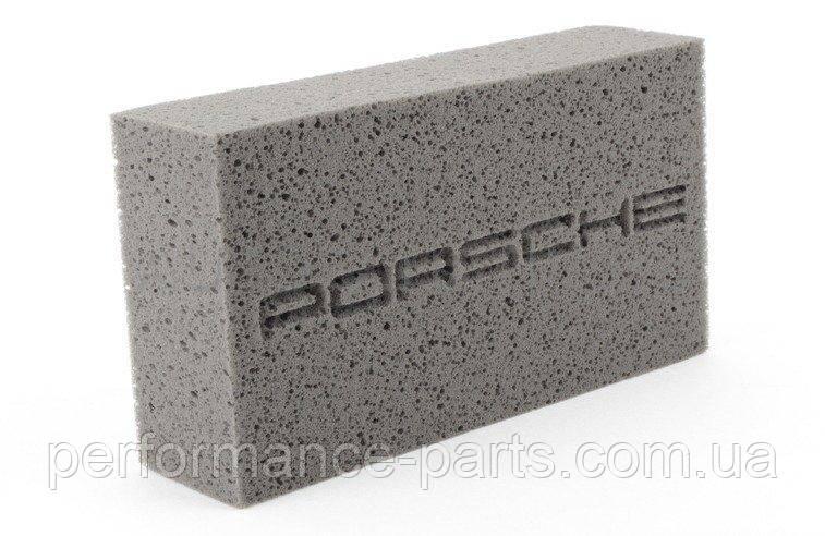 Губка для ухода за автомобилем Porsche Tequimpment Scripted Car Wash Sponge, артикул 00004400096