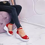 Только 38,39 р! Босоножки женские красные эко-замша на платформе 7 см, фото 2