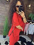 """Жіночий стильний костюм червоний: """"Змійки"""": футболка з блискавками збоку і штани, фото 2"""