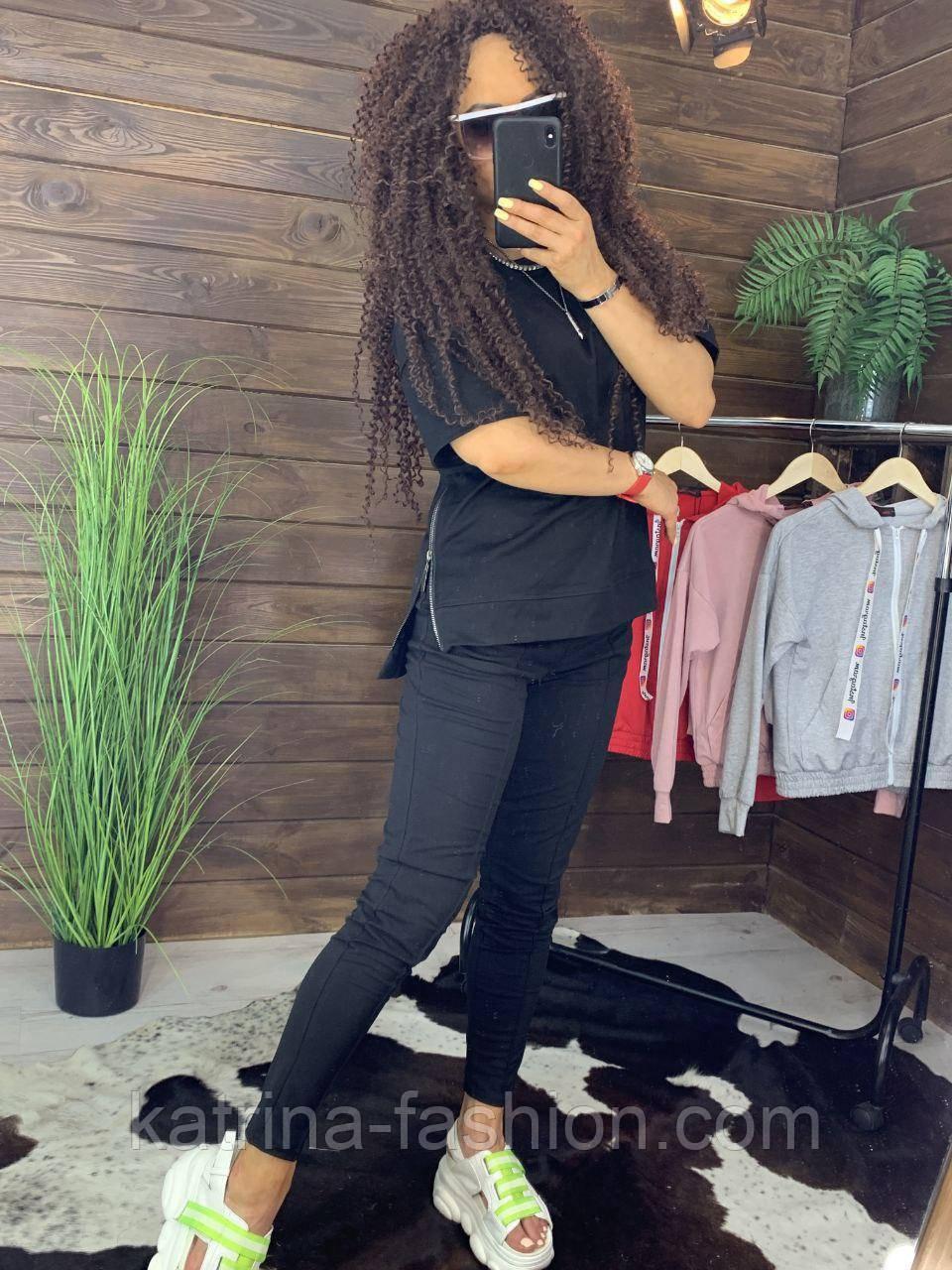 """Жіночий стильний чорний костюм: """"Змійки"""": футболка з блискавками збоку і штани"""