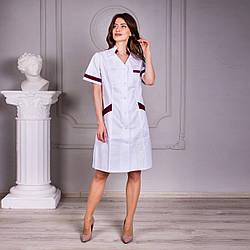 Женский медицинский халат с коротким рукавом Анна белый с бордовыми вставками