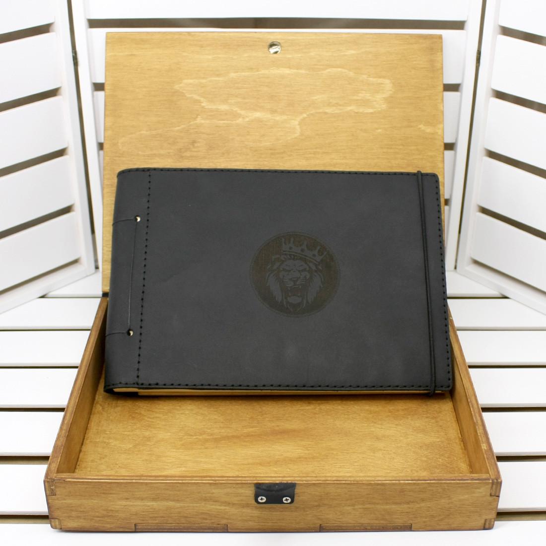 Кожаный альбом с лазерной гравировкой в подарочной деревянной коробке. Изготовление под заказ.