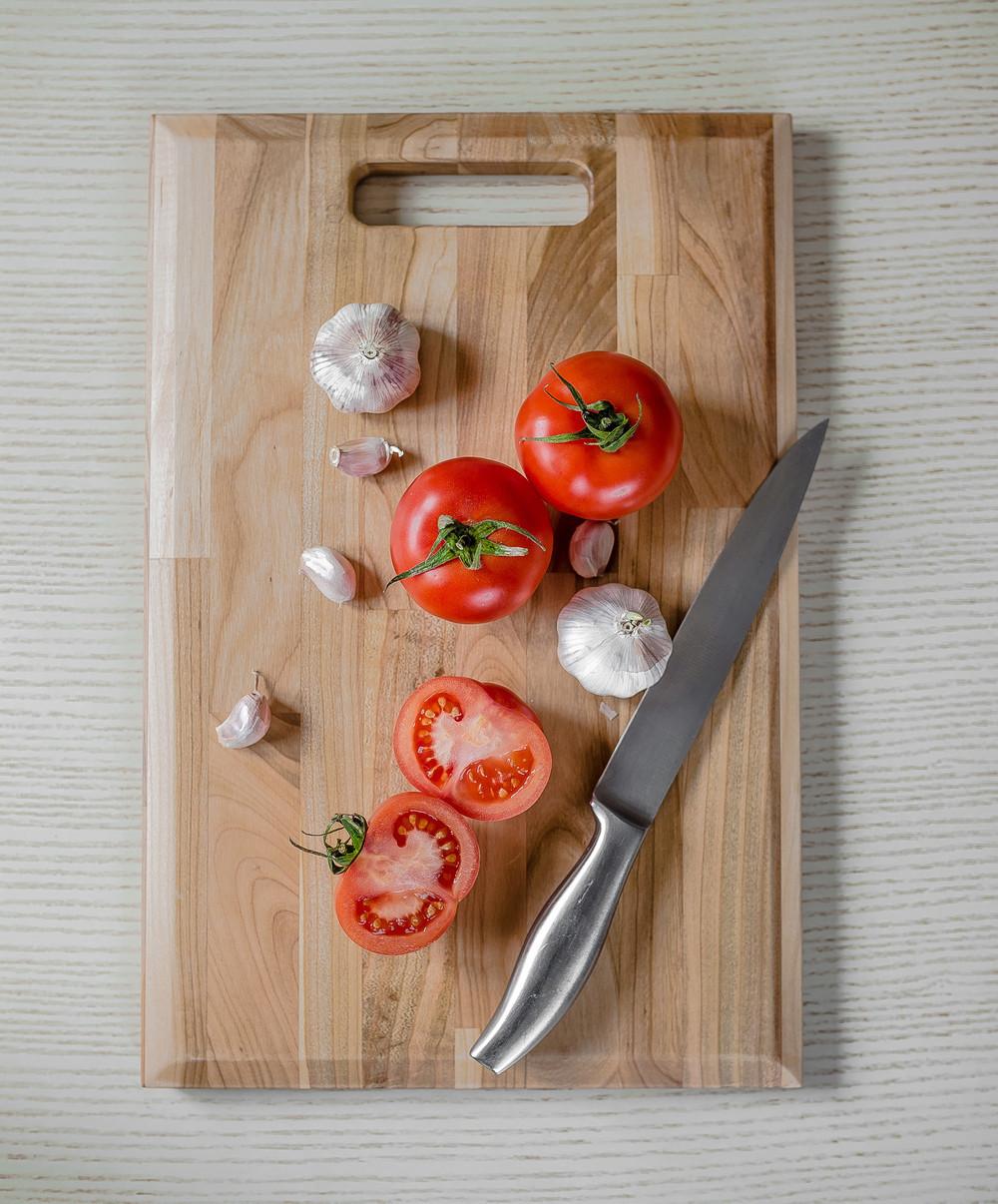 Дошка дерев'яна кухонна обробна прямокутна з ручкою Energy Wood 40х25х2см черешня