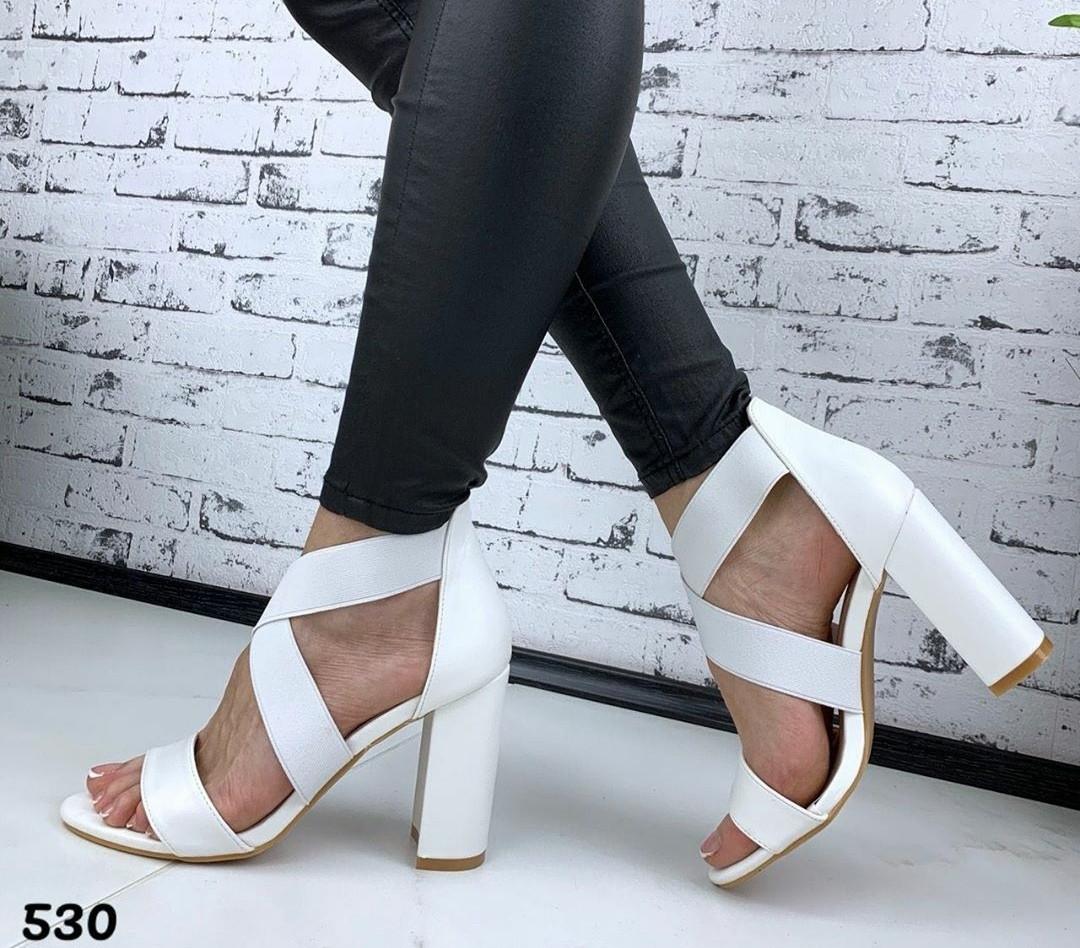 Женские белые босоножки на каблуке, ОВЛ 530