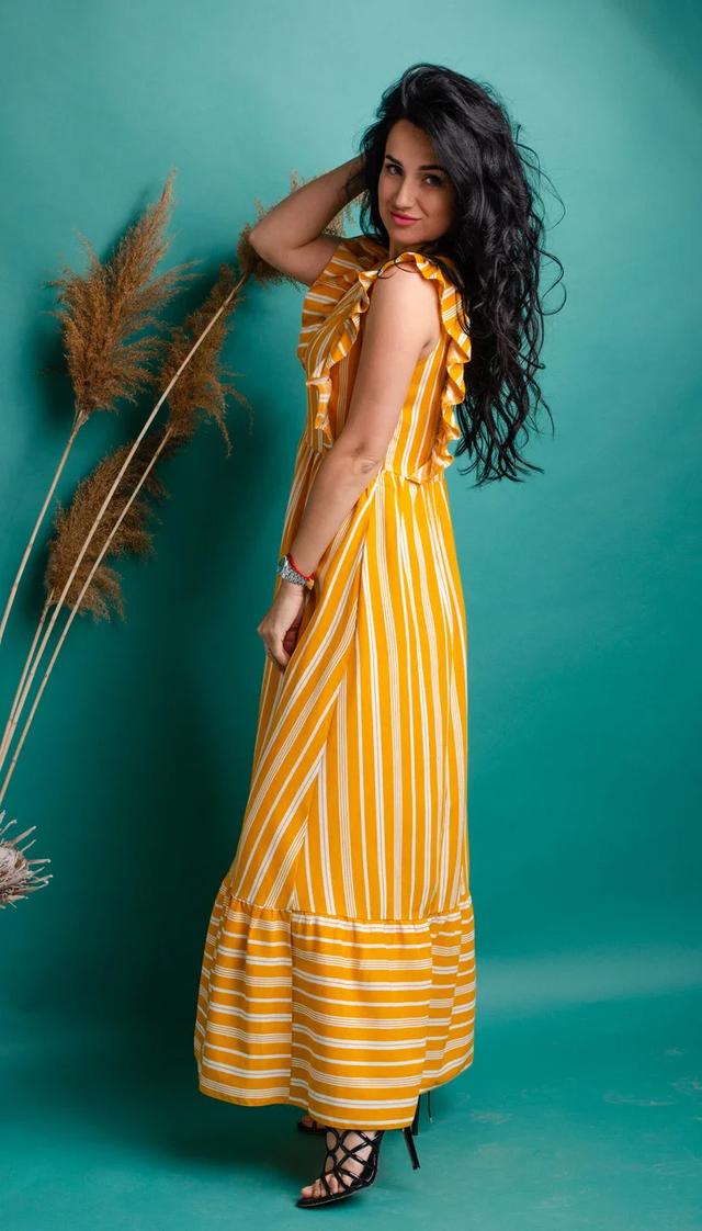 Красивое женское платье в пол из льна оранжевого цвета