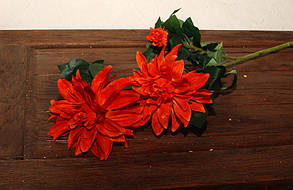 Штучні квіти жоржини помаранчева гілка 3шт.