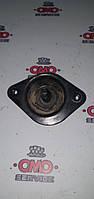 Б/у Направляющий палец двери сдвижной правой / левой (на двери) Nissan Vanette Cargo III 1995-2001