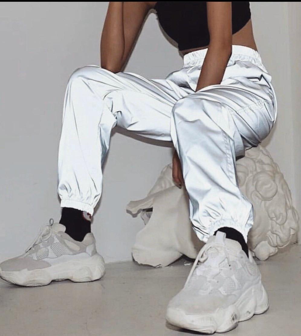 Женские яркие стильные светоотражающие штаны