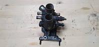 Б/у Корпус термостата (из термостатом) в сборе с датчиками Fiat Ducato 2002-2006 2.8 JTD