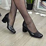 """Женские черные туфли на устойчивом каблуке, натуральная кожа """"питон"""", фото 3"""