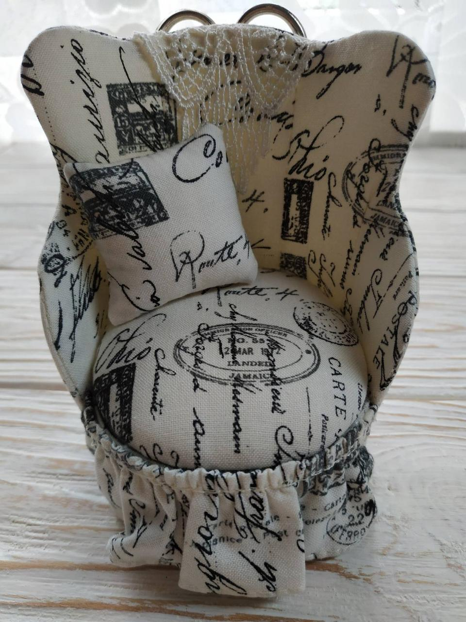 Игольница-шкатулка с ножницами,старинный дизайн (кресло с ножницами) VT-68