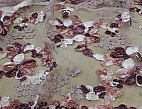 Кружево на белой сетке вышитое цветами в стиле объемной вышивки лентой Z 5
