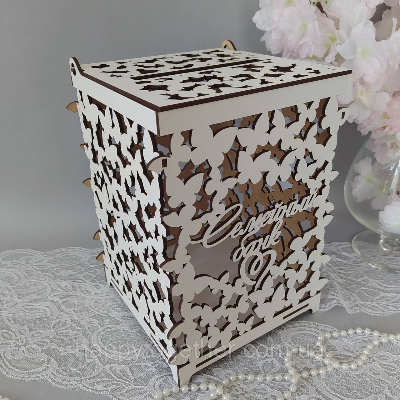 Коробка для денег из  фанеры резная белая