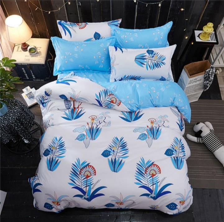 Качественное постельное белье в красивой расцветке евро размер, голубое перо