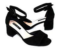 Замшевые босоножки женские на среднем каблуке