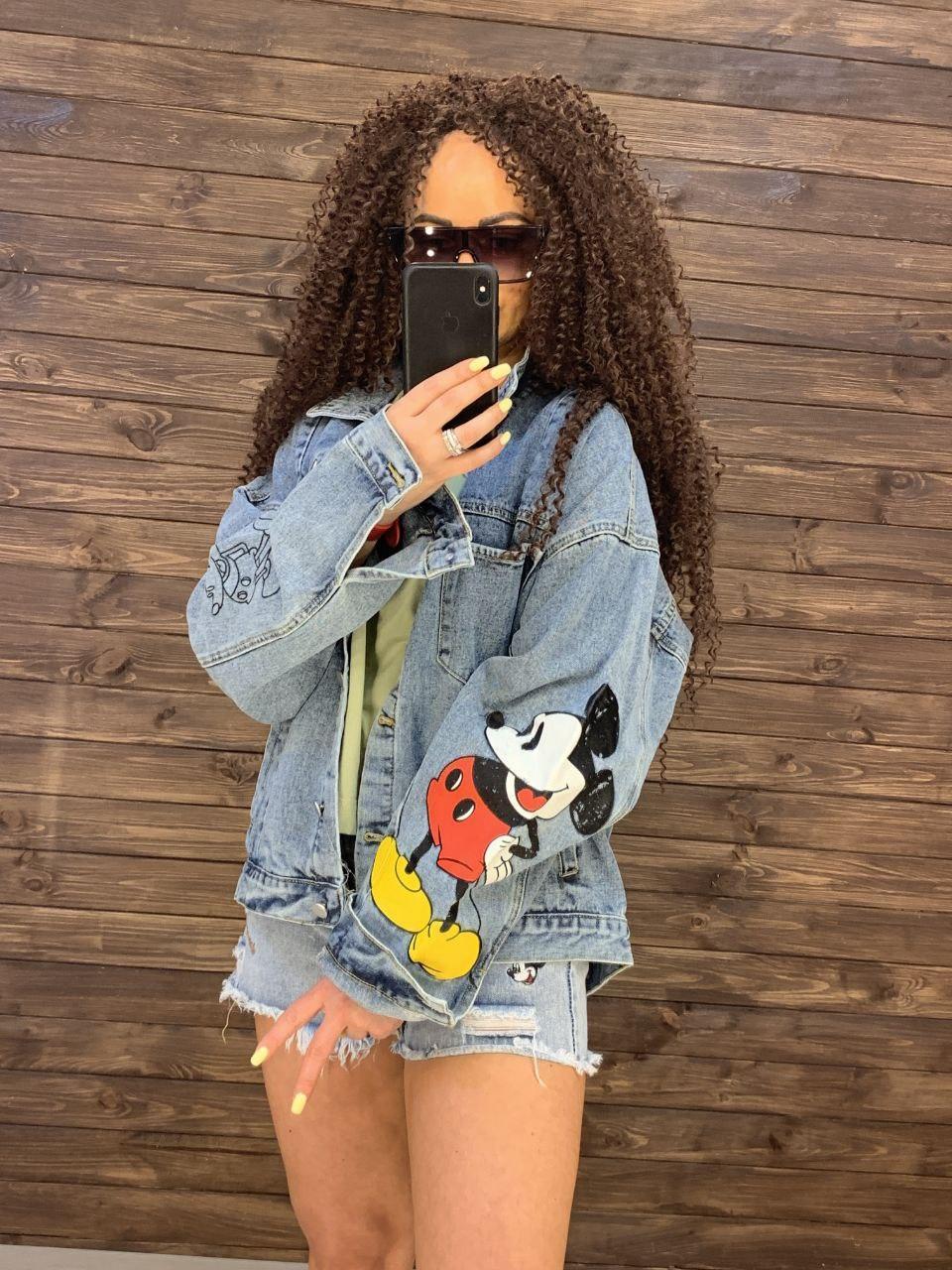 Женская джинсовая куртка оверсайз с рисунком Микки на спине 76ki299