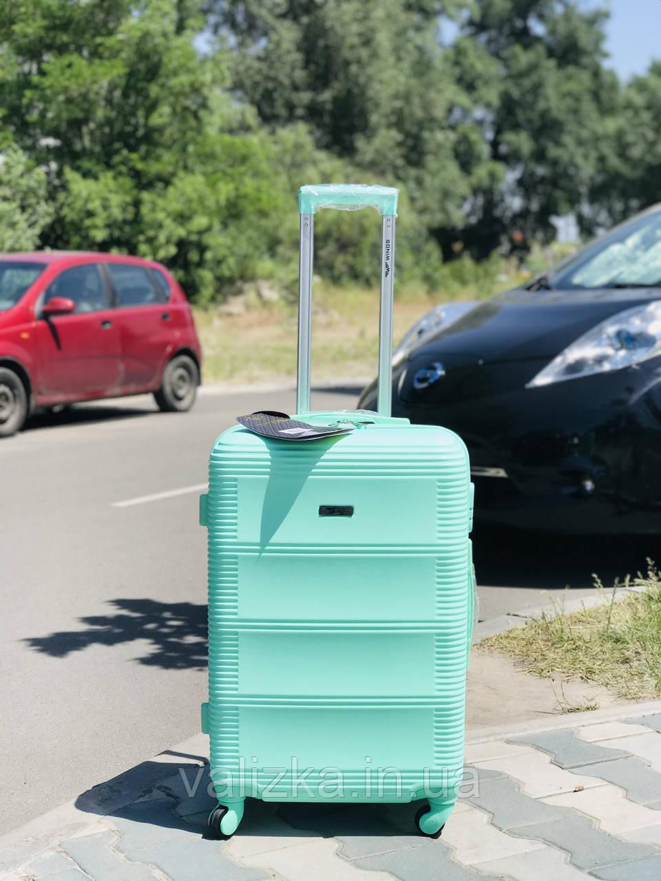 Средний пластиковый чемодан мятный бирюзовый на 4-х колесах / Середня пластикова валіза