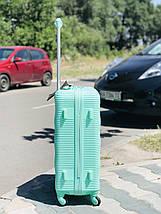 Средний пластиковый чемодан мятный бирюзовый на 4-х колесах / Середня пластикова валіза, фото 3
