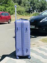 Средний пластиковый чемодан лиловый на 4-х колесах / Середня пластикова валіза, фото 3