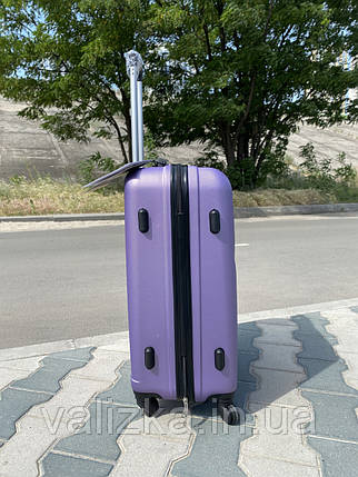 Средний пластиковый чемодан фиолетовый на 4-х колесах / Середня пластикова валіза золота, фото 2