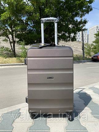Средний пластиковый чемодан коричневая на 4-х колесах / Середня пластикова валіза, фото 2