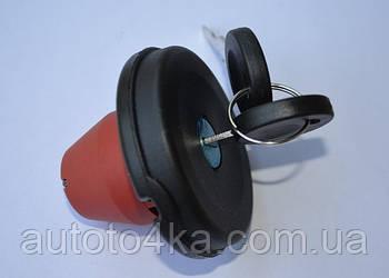 Крышка запорная топливного бака (с ключами) Фольксваген Т4 дизель Kemp 77646642