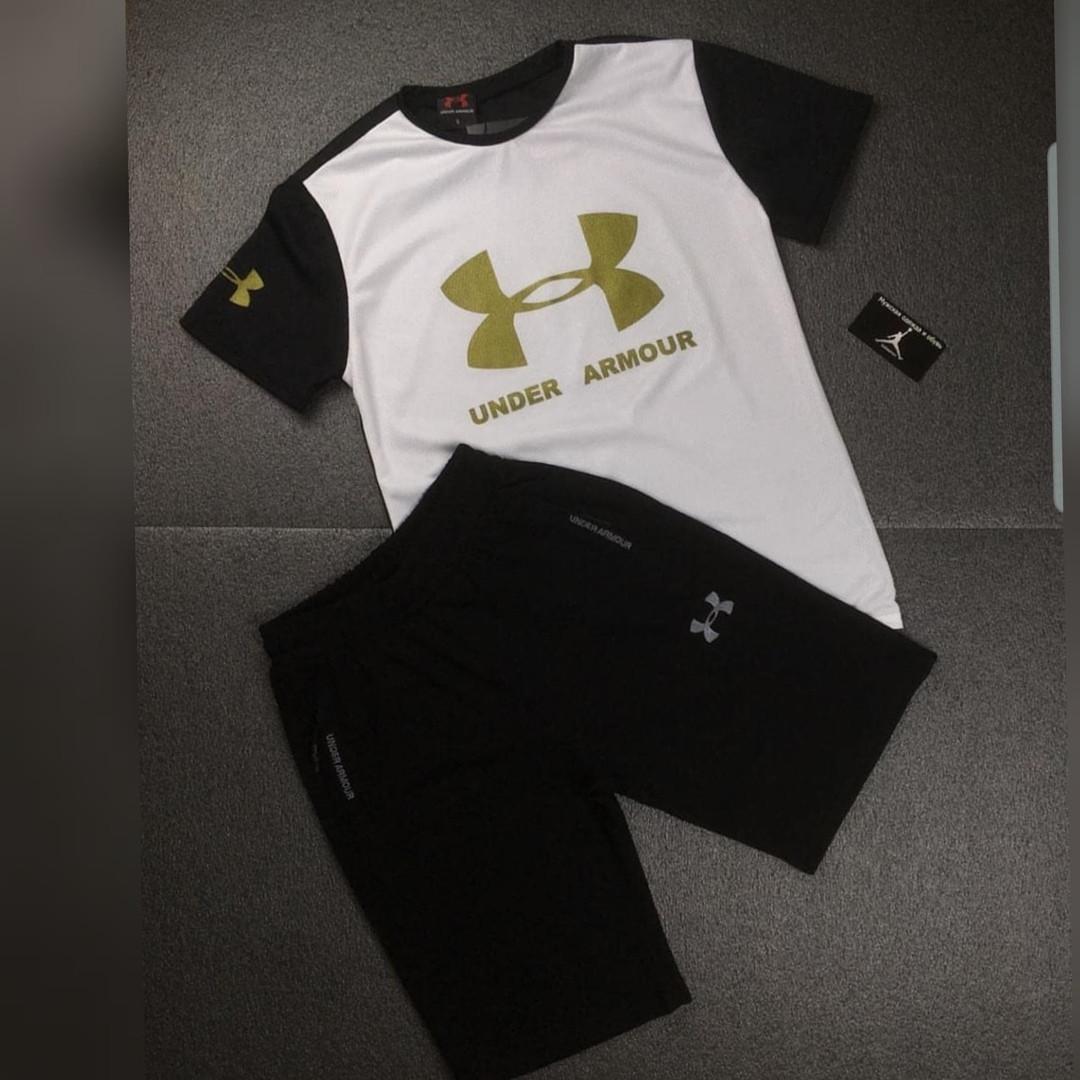 Черно-белый костюм футболка и шорты
