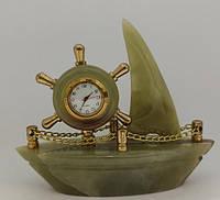 Фигурка Парусник часы настольные  из Оникса