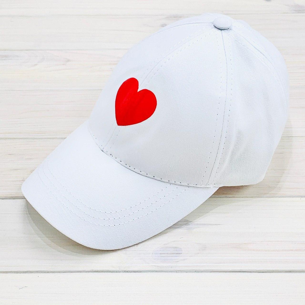 Женская Кепка с принтом Heart сердце белая Intruder
