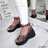 Женские босоножки из натуральной кожи с ремешком на танкетке 7 см, фото 7