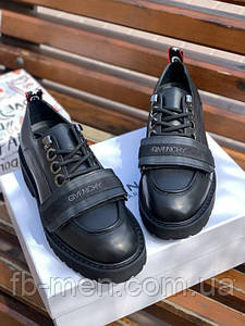 Туфли Givenchy черного цвета с липучкой