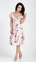 Нежное женское пудровое платье на лето