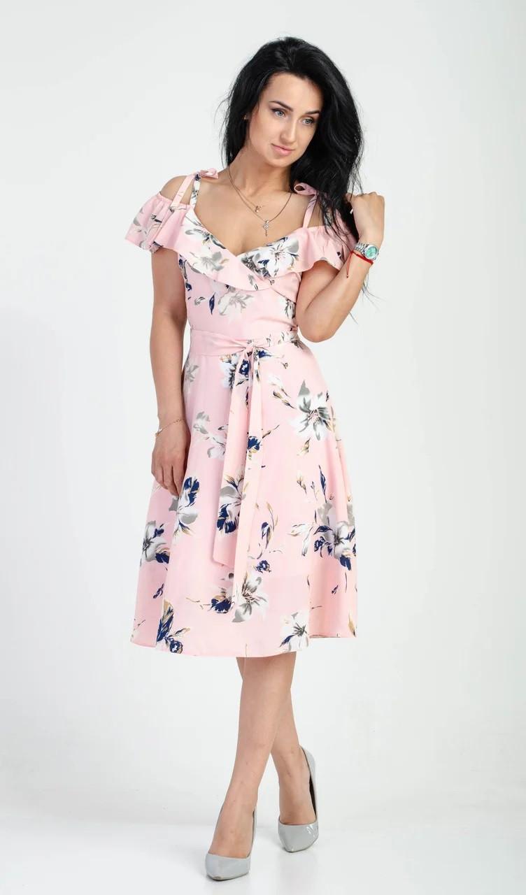 Летнее платье с цветочным принтом розовое