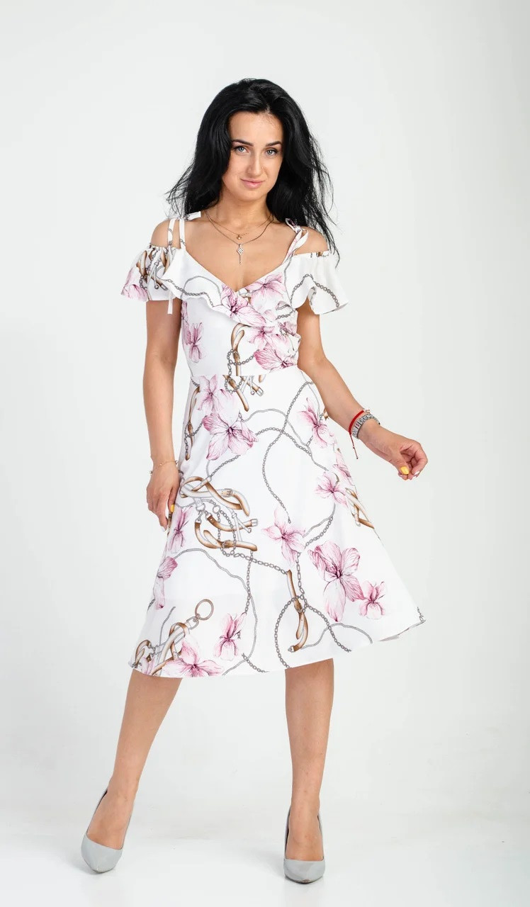 Легкое платье с принтом молочное