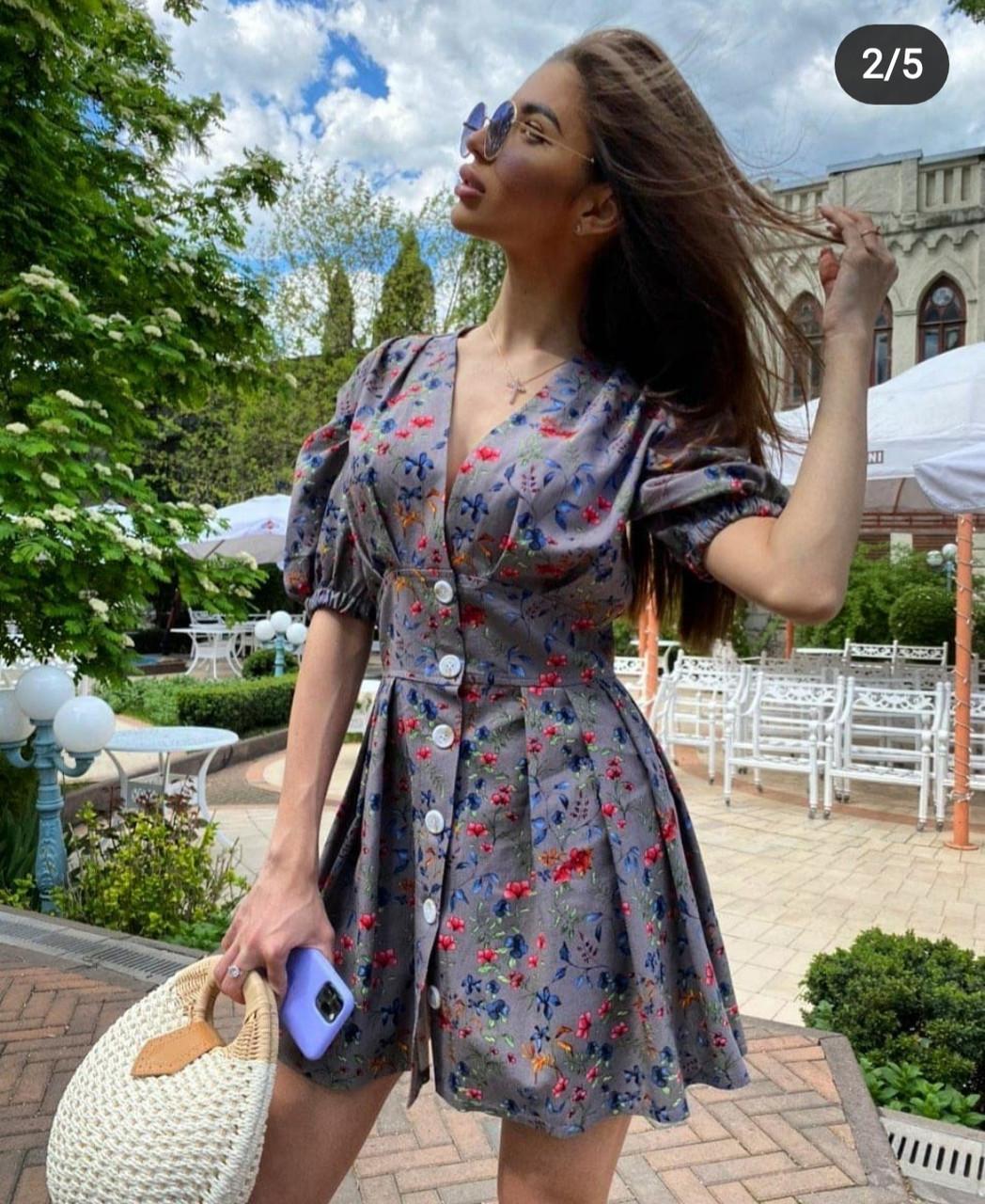 Лляне плаття в квітковий принт з розкльошеною спідницею vN7798