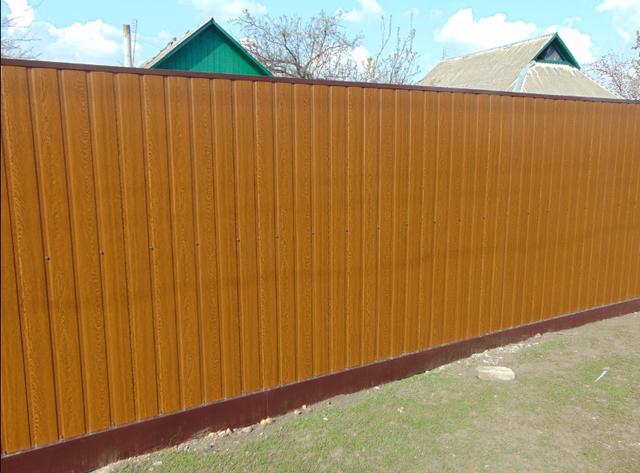 Забор з профнастила